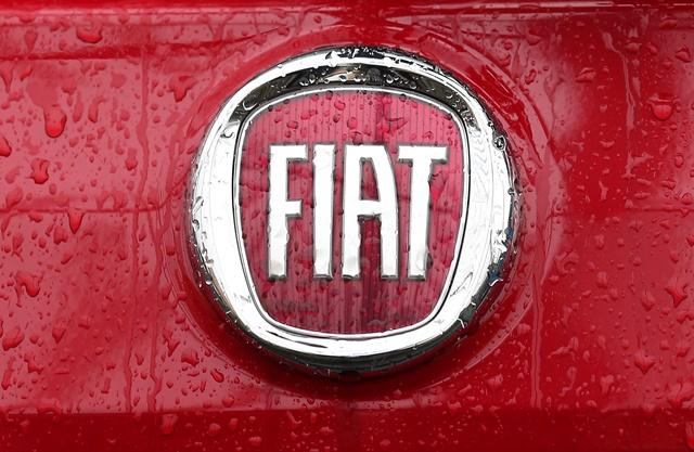Na snímke logo automobilky Fiat v Miláne