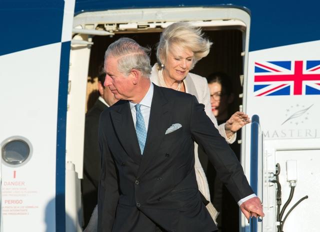 Na snímke britský princ Charles a jeho manželka Camilla, vojvodkyňa z Cornwallu