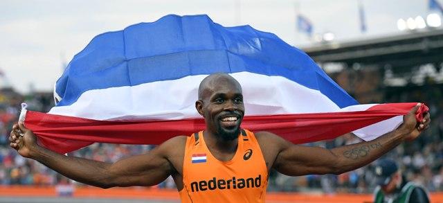 Na snímke holandský šprintér Churandy Martina vyhral hladkú stovku na 23. majstrovstvách Európy v holandskom Amsterdame časom 10,07