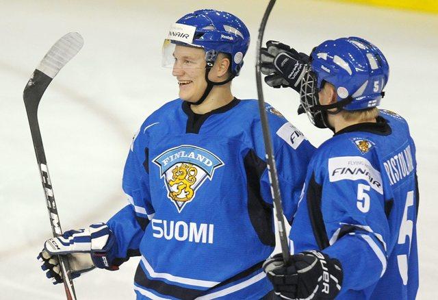 Na snímke Teemu Pulkkinen (vľavo)