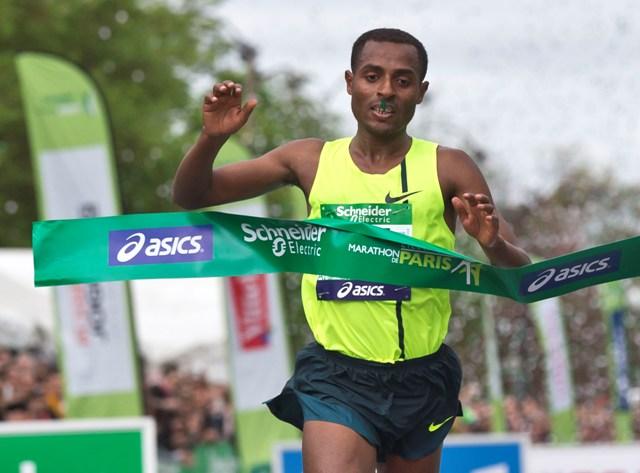 Na snímke Kenenisa Bekele z Etiópie