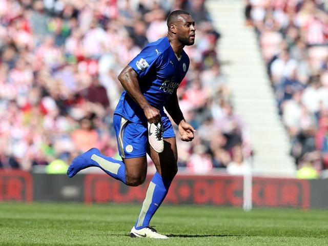 Na snímke kapitán Leicesteru Wes Morgan