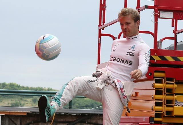 Na snímke nemecký pilot formuly 1 Nico Rosberg z tímu Mercedes