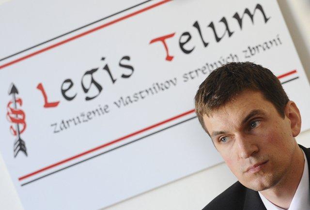Na snímke podpredseda Združenia vlastníkov strelných zbraní – Legis Telum - Ľudovít Miklánek