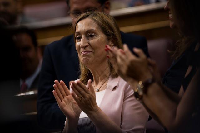 Na snímke nová predsedníčka dolnej komory španielskeho parlamentu Ana Pastorová