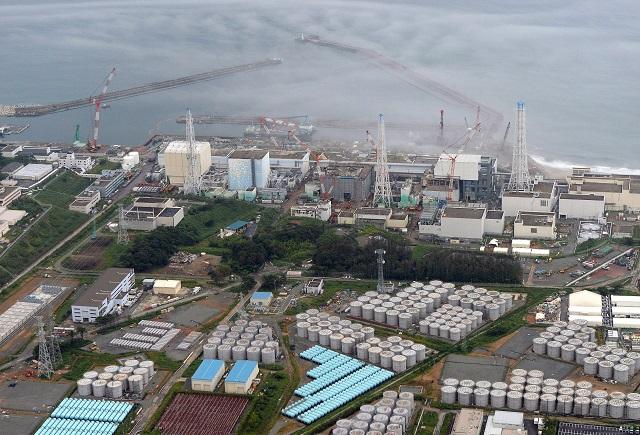 Na archívnej snímke z 20. augusta 2013 je letecký pohľad na jadrovú elektráreń vo Fukušime