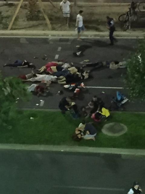 Ľudia zomierali pod kolesami kamióna ako mravce...