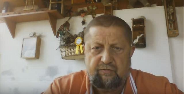 Na snímke z videa Štefan Harabin