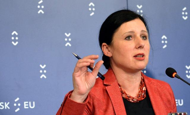 Na snímke eurokomisárka pre spravodlivosť, ochranu spotrebiteľov a rodovú rovnosť Věra Jourová