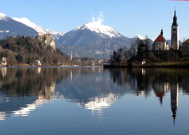 Na snímke jazero Bled
