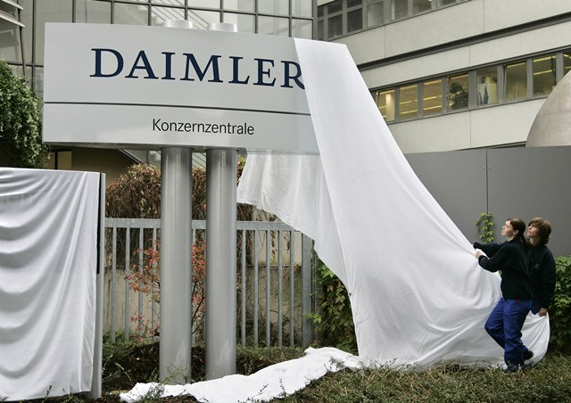 Na snímke logo automobilového koncernu Daimler