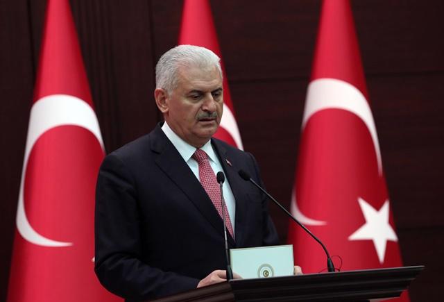 Na snímke turecký premiér Binali Yildirim