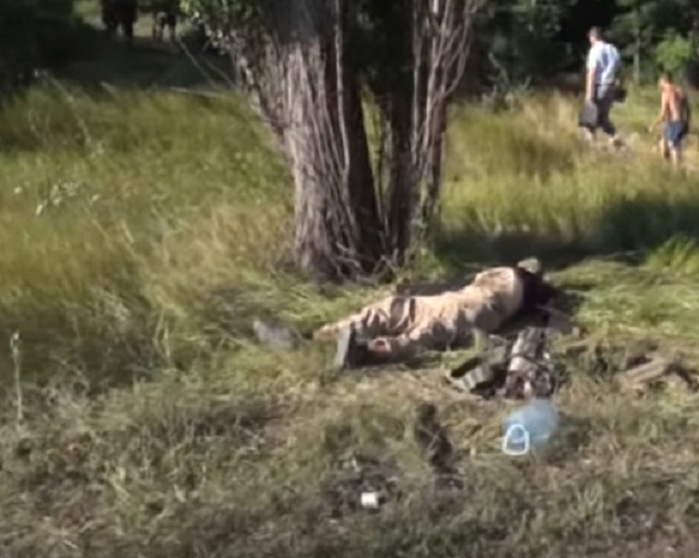 Excentrického hrdinu ATO z neonacistického pluku Azov rozstrieľalo ukrajinské komando