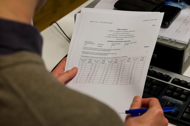 Ilustračná snímka z 3. skúšky spracovania výsledkov volieb do NR SR
