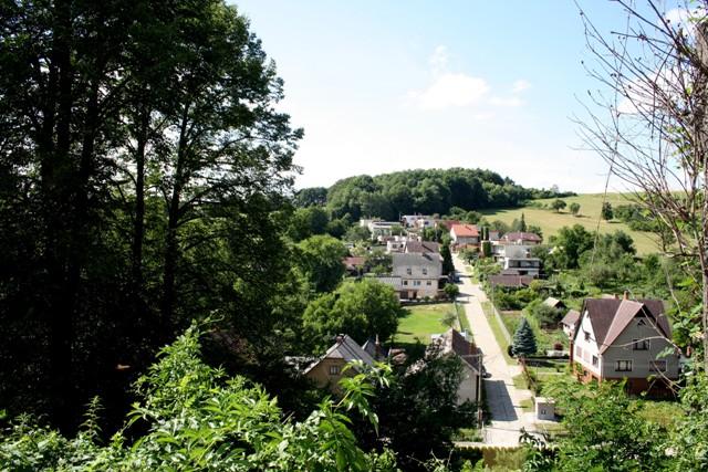 Na snímke výhľad na časť Chrenovca-Brusna z vŕšku pri Kostole sv. Michala Archanjela