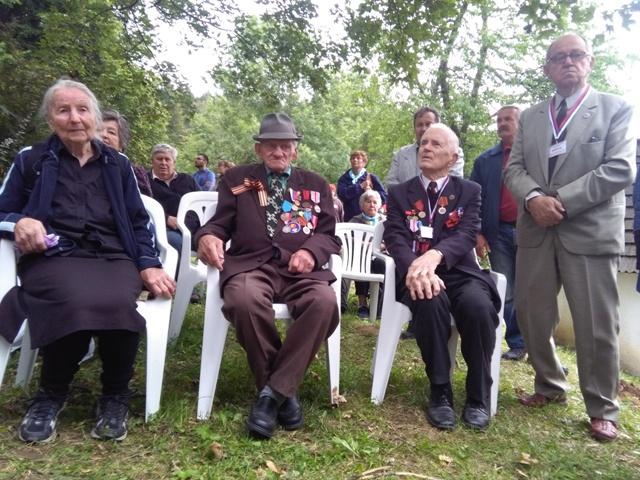 Na snímke účastníci spomienkového podujatia