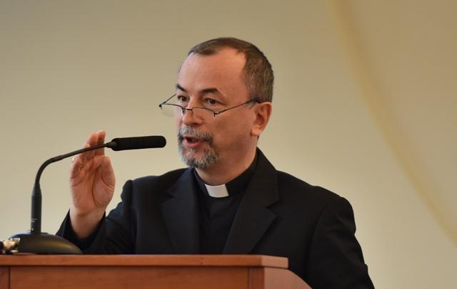 Na snímke arcibiskup Mons. Cyril Vasiľ, SJ, sekretár Kongregácie pre východné cirkvi