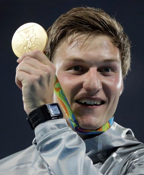 Nemecký atlét Thomas Röhler sa v brazílskom Riu de Janeiro stal olympijským víťazom v hode oštepom