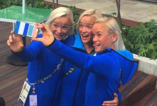 Ilustračné foto: Estónske trojičky zľava Leila, Liina a Lily Luikové. Tri blonďvé sestry sa predstavili v olympijskom maratóne