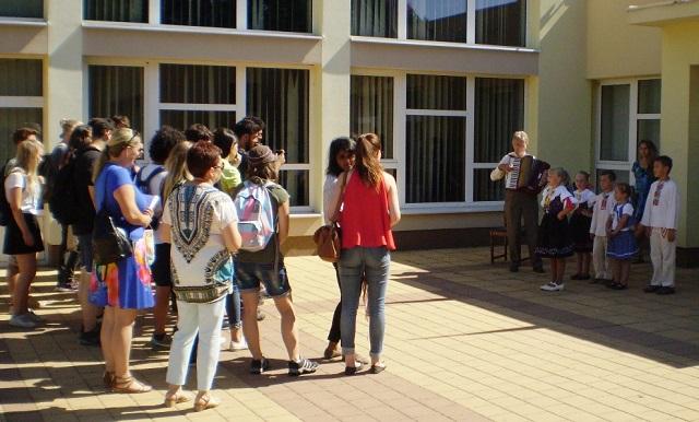 Mladí ľudia z celého sveta prišli do Rišňoviec, aby spoznali slovenskú históriu a kultúru