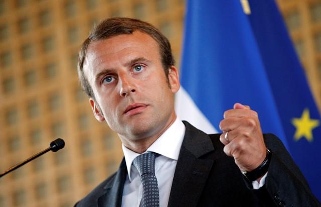 Na snímke  Emmanuel Macron