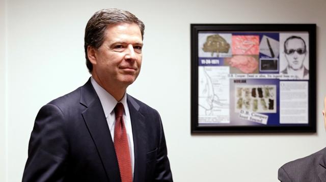 Na snímke riaditeľ FBI James B. Comey