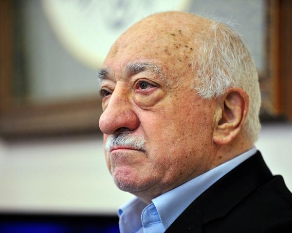 Na snímke turecký duchovný Fethullah Gülen