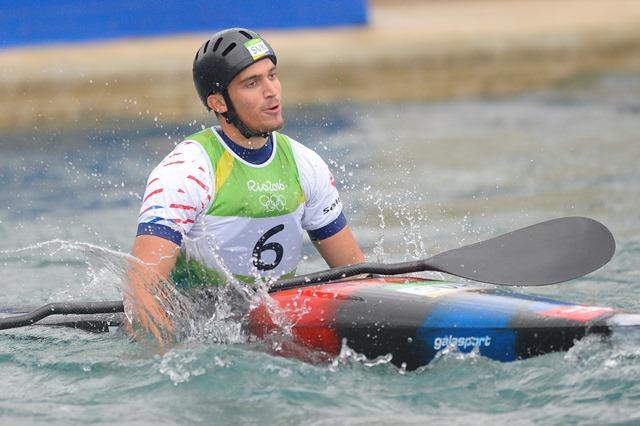 Na snímke slovenský vodný slalomár Jakub Grigar v cieli finálovej jazdy K1 mužov