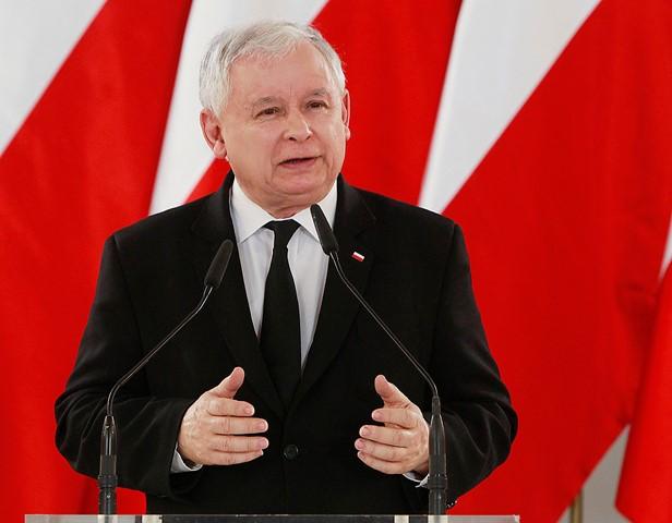 Na snímke  predseda poľskej vládnucej strany Právo a spravodlivosť (PiS) a bývalý premiér Jaroslaw Kaczynski