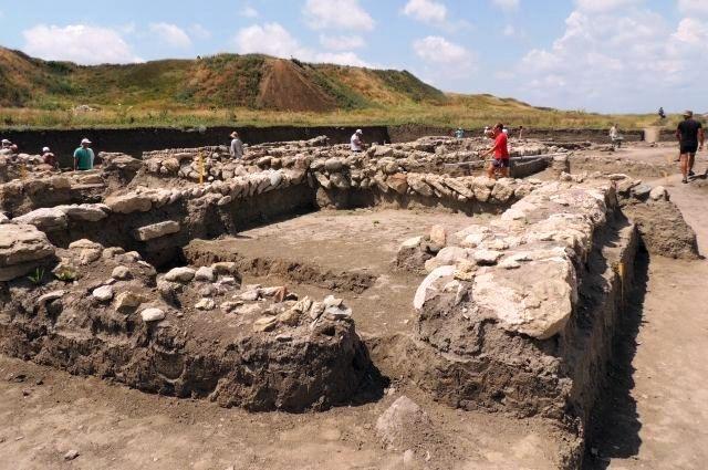 Pri vykopávkach na Kerčskom polostrove vedci našli antickú pevnosť