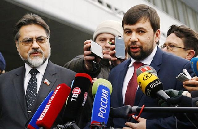 Vladislav Dejnego a Denis Pušilin  (na snímke zľava doprava)