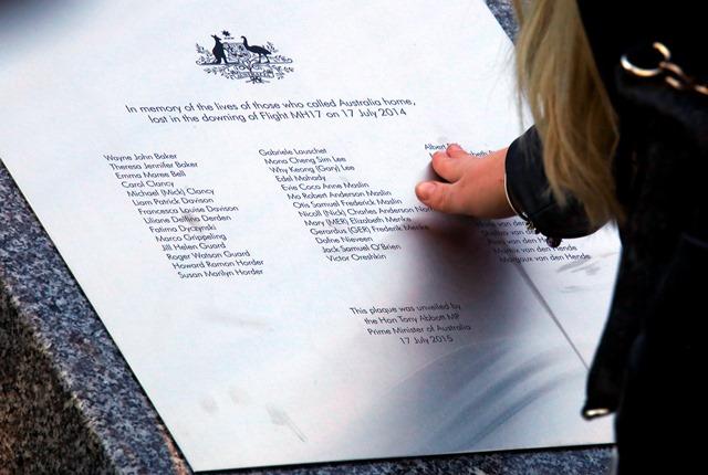 Na snímke pomník obetiam leteckého nešťastia