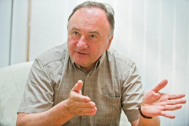 Na snímke Pál Csáky