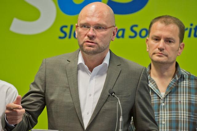 Na snímke zľava predseda SaS Richard Sulík a líder OĽaNO-NOVA Igor Matovič