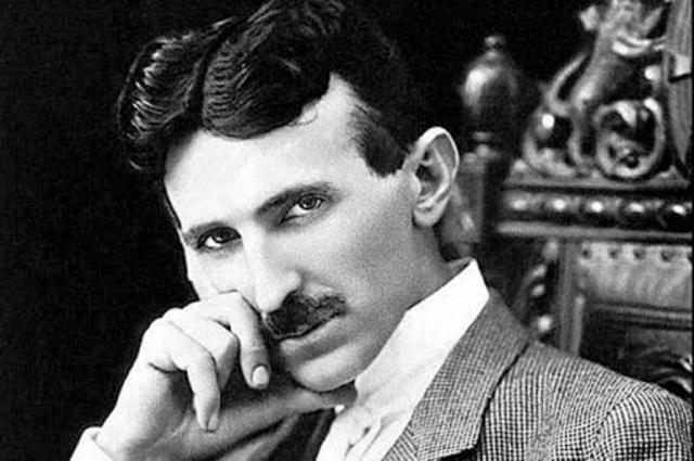 Svetoznámy vynálezca a konštruktér mnohých elektrických strojov a prístrojov Nikola Tesla