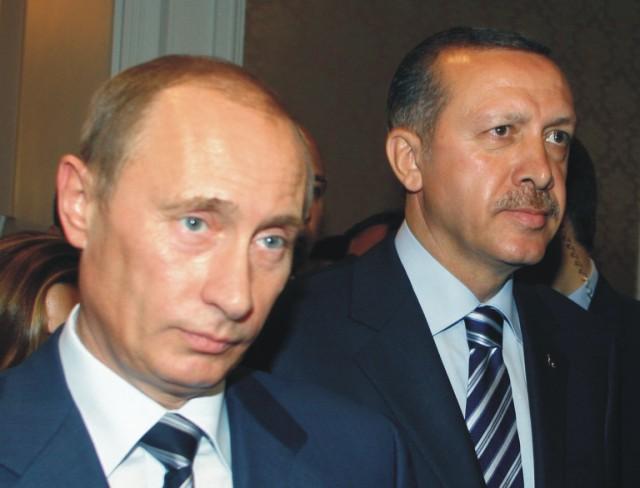 Ruský prezident Vladimir Putin (vľavo) a turecký prezident Recep Tayyip Erdogan