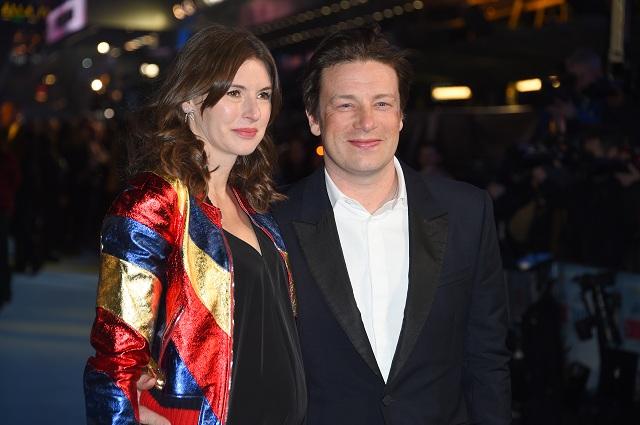 Britský televízny kuchár Jamie Oliver a tehotná manželka Juliette Nortová