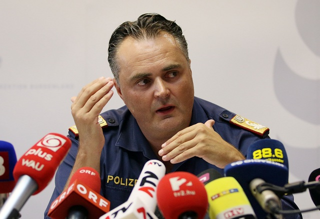 Policajný riaditeľ rakúskej provincie Burgenland Hans Peter Doskozil
