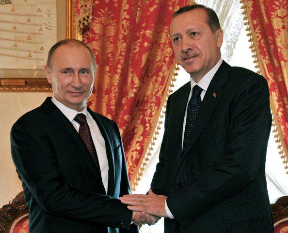 Na snímke ruský prezident Vladimir Putin (vľavo) a turecký prezident Recep Tayyip Erdogan