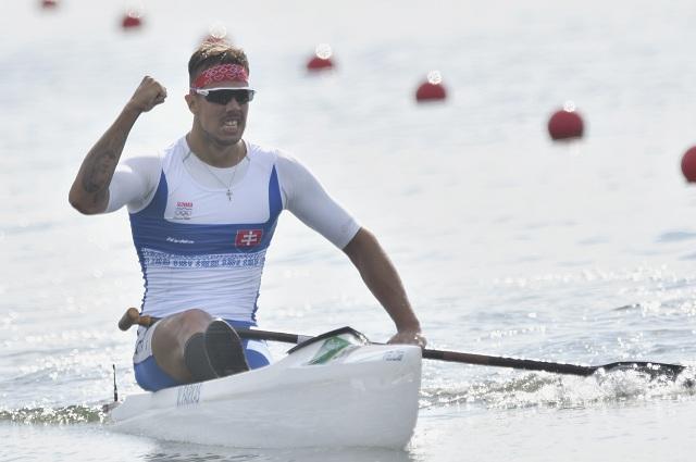 Na snímke slovenský rýchlostný kanoista Vincent Farkas v cieli B finále na 1000 m na XXXI. letných olympijských hrách v brazílskom Riu de Janeiro