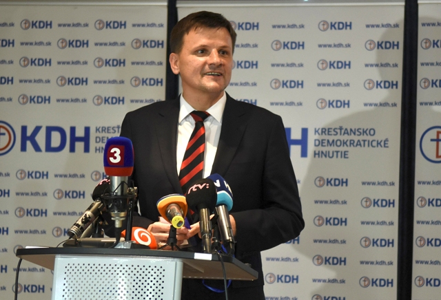 Na snímke predseda Kresťanskodemokratického hnutia (KDH) Alojz Hlina