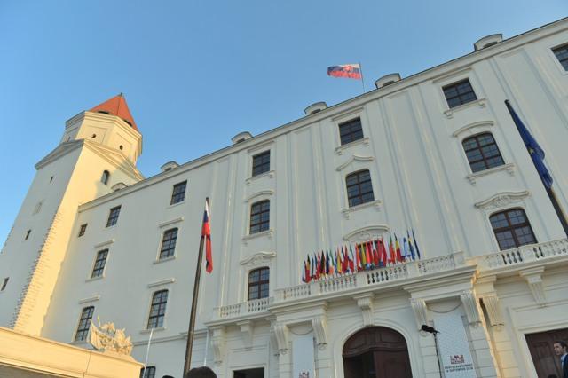 Na snímke Bratislavský hrad pred začiatkom summitu