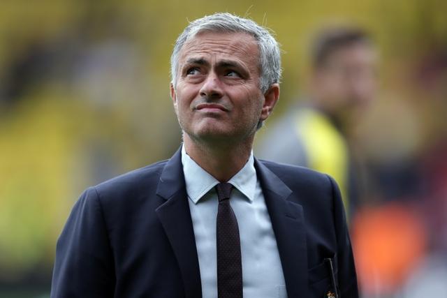 Tréner Manchesteru United José Mourinho reaguje počas zápasu 5. kola anglickej Premier League Watford - Manchester United