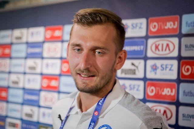 Na snímke slovenský futbalista Norbert Gyömbér