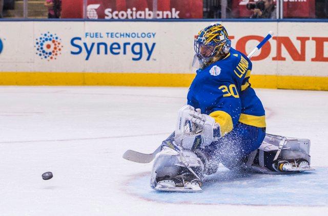 Na snímke švédsky brankár henrik Lundqvist v zápase B-skupiny Svetového pohára v hokeji Švédsko - Fínsko (2:0 )