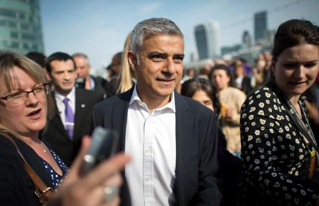 Na snímke starosta Londýna Sadiq Khan