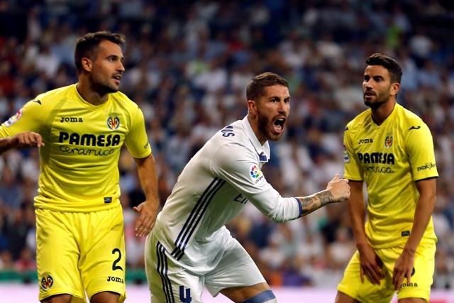 Futbalista Realu Madrid sa teší po strelení gólu v zápase 5. kola španielskej ligy Real Madrid - Villareal