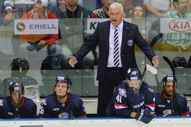 Na snímke tréner Miloš Říha (Slovan)