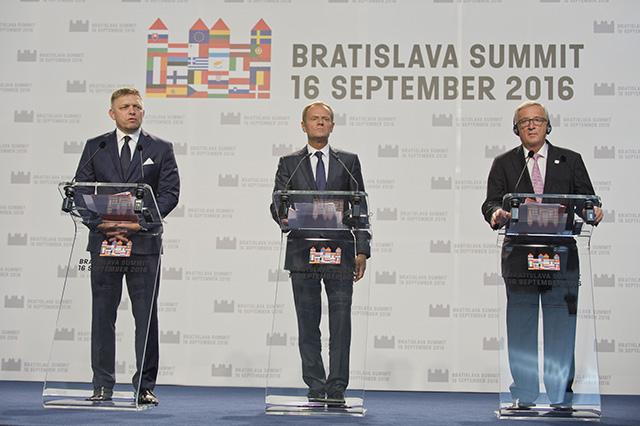 tusk, Juncker, Fico, tk