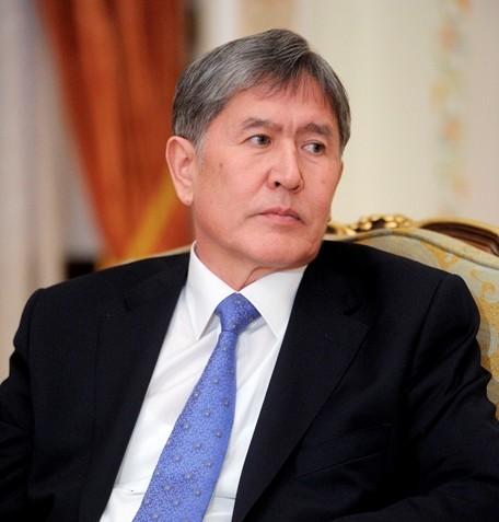 Na snímke kirgizský prezident Almazbek Atambajev